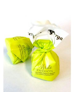 Italian White Choc. Pralines Mix w/ Pistachio And Srawberry Creams (50 pcs)