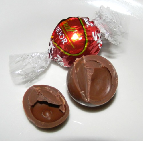 Lindt Chocolate White Chocolate Inside